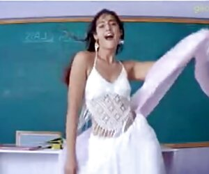 शिक्षक उसकी स्कर्ट उसे हिंदी पिक्चर सेक्सी मूवी मोज़ा उठाया, और कंकड़ आदमी तक अपने पैरों बढ़ाया