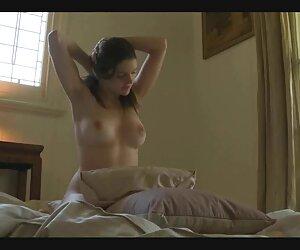 के Girlings जोड़ी, एक लड़की सो रही है सेक्सी इंग्लिश मूवी सेक्सी इंग्लिश मूवी कुर्सी पर